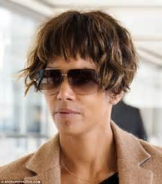 5 Facts About Halle Berry by Halle Berry Emerges With Blemish On Chin As She Touches