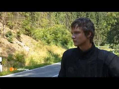 Motorrad Kr Mmer Englisch by Motorradfahrer Videolike