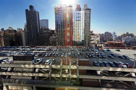 parking garage midtown nyc