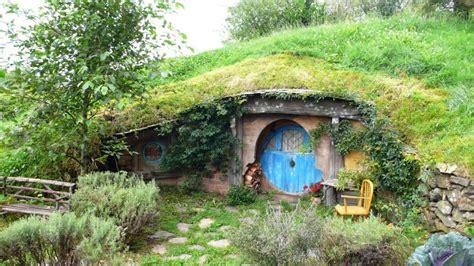 Impressionnant Toile De Jardin Castorama #2: trou-de-hobbit.jpg