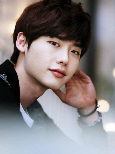 foto lee jong suk di film pinochio foto foto lee jong suk aktor korea yang keren kembang pete