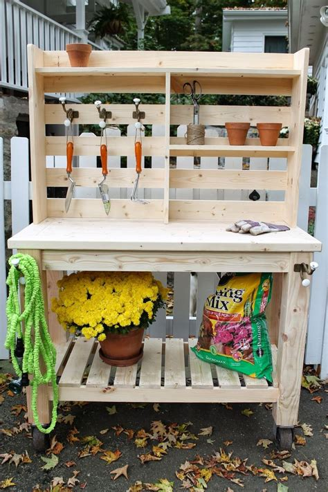 Garden Potting Bench Ideas 25 Best Ideas About Potting Station On Pinterest Garden Table Potting Bench Plans And Garden