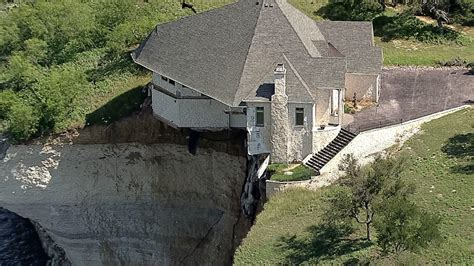 whitney house lake whitney cliff house set on fire burned to the ground nbc 5 dallas fort worth