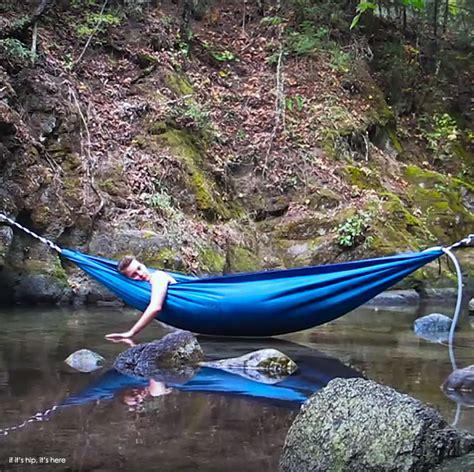 Hammock The Water pin water hammock on