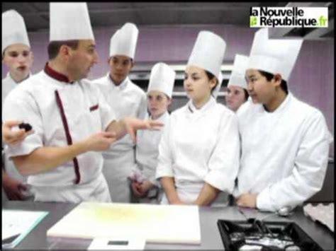 la cuisine du prof blois un professeur de cuisine donne un cours sur la