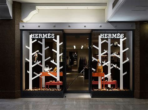 store window design retail branding herm 233 s and the fine art of store window