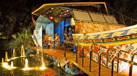 theme park phuket phuket fantasea kathu phuket attraction expedia com au