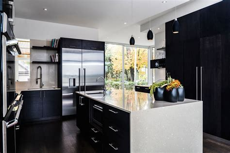 white kitchen with black island gold and black kitchen decor interiordecodir
