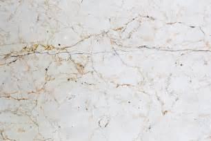 nettoyer un sol en marbre