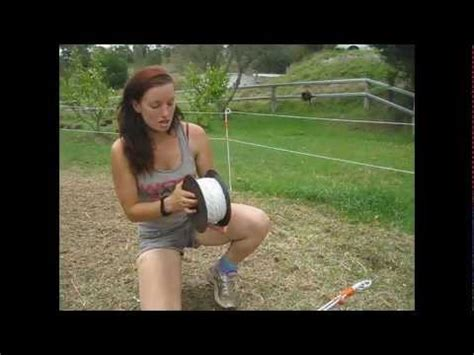 how to set up an electric fence for horses