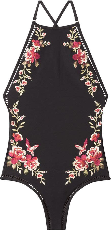 embroidery clothes 25 best ideas about embroidered clothes on