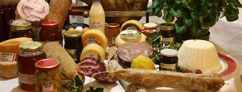 alimenti tipici italiani i souvenir pi 249 amati dagli italiani i prodotti tipici
