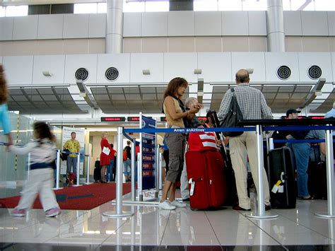 american airlines checked baggage airline baggage crackdown continues how are passengers