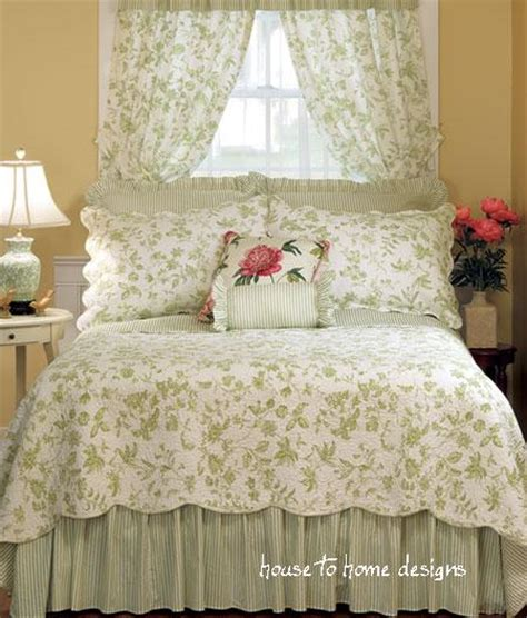 Green Toile Bedding by Brighton Green Toile Quilt By Williamsburg