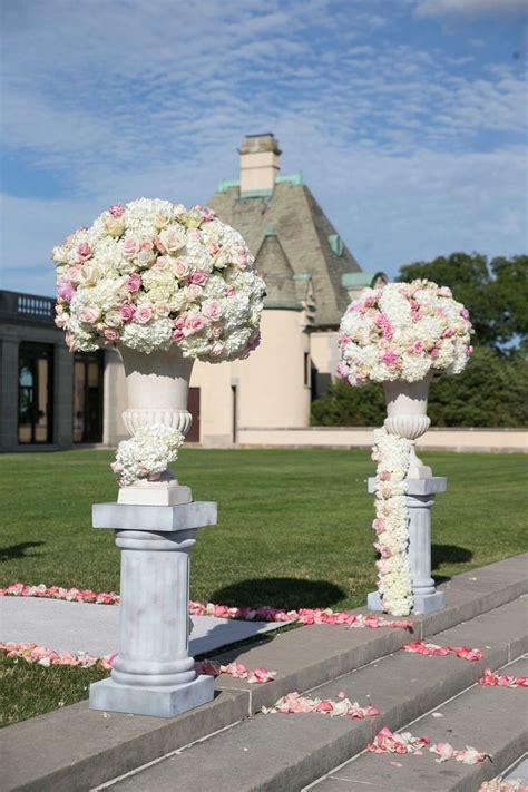 Wedding Ceremony Entrance by 74 Best Images About Pedestal Urn Plinth Arrangements