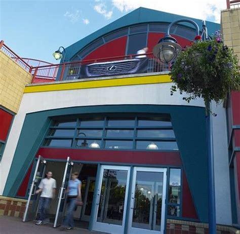 cineplex eau claire landmark cinemas 10 shawnessy calgary canada address
