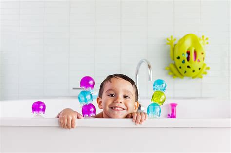 bathtub toys for kids the best bath toys for kids