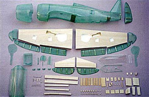 P-47D サンダーボルト 1/6.2 [ジェットエンジン ラジコンイエローエアクラフトYellowAircraft] P 47d Thunderbolt