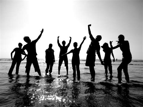 pictures for best friends friends on black and white photography friends friends friends and