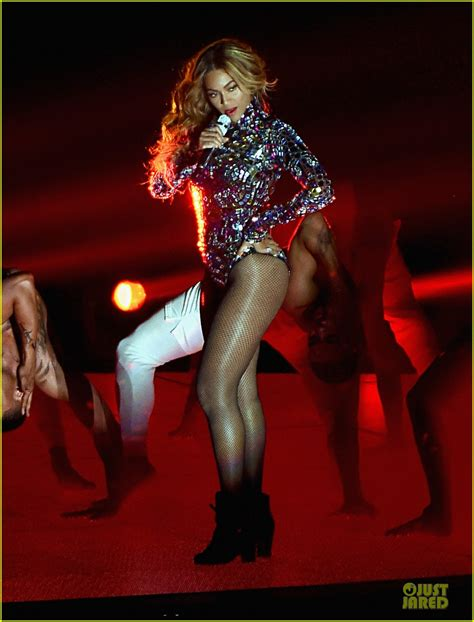 The Vmas Are Here by Sized Photo Of Beyonce Vmas 2014 Performance 05