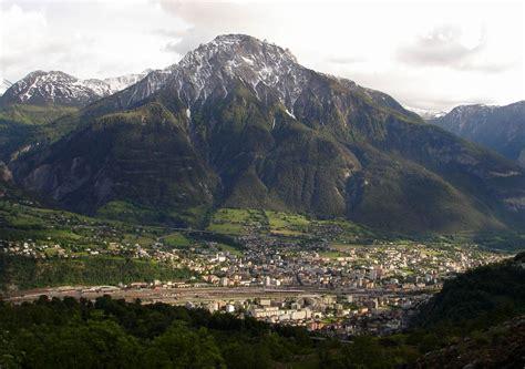 cerco lavoro in svizzera come cameriere cercasi cameriere in svizzera a briga thegastrojob