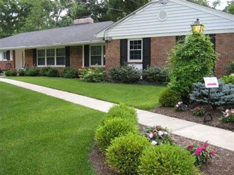 simple landscaping ideas for ranch style home www