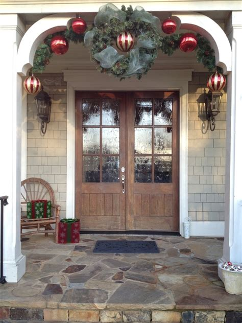 christmas front porch 38 cool christmas porch d 233 cor ideas digsdigs