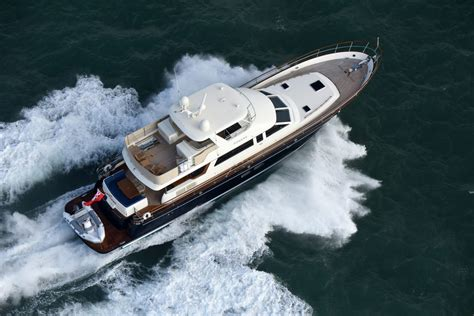 hinckley company unveils  hunt ocean    fast expedition yachts hunt yachts