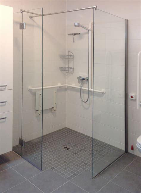 behindertengerechte dusche walk in dusche duschabtrennung aus glas glasprofi24