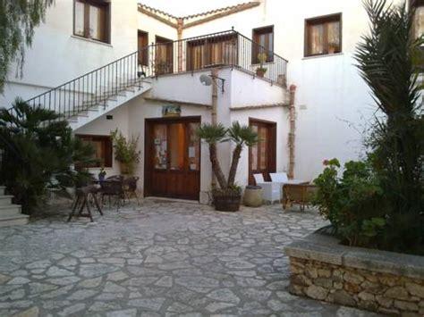 hotel il cortile custonaci strutture turistiche custonaci