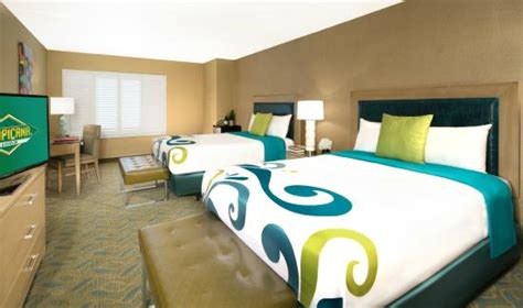 Tropicana Ac Cheap Rooms by Newly Refreshed Luxury Rooms Suites Picture Of