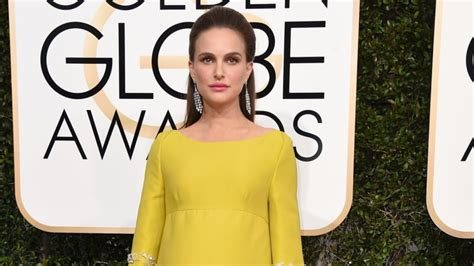 how to write a retirement letter the key to natalie portman s chic pregnancy style 1318