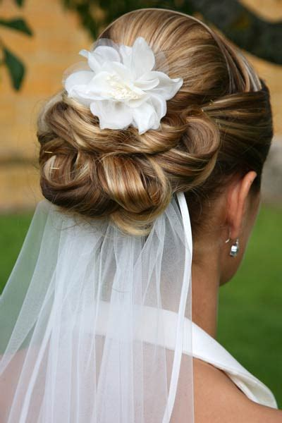 Wedding Hair And Veil Placement by Looking For Low Updo Veil Placement Inspiration Weddingbee
