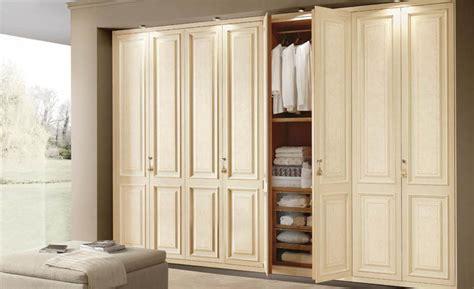 Built In Corner Wardrobes by Plain Corner Wardrobe Iwardrobes Co Uk