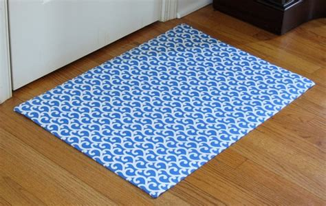 How To Make A Mat by How To Make A Custom Rug Out Of Fabric In Own Style
