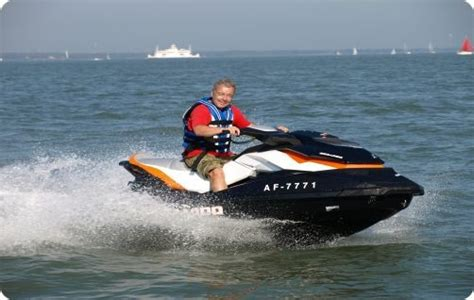 speed boat qualifications solent yacht charters ribs motor boats solent boat