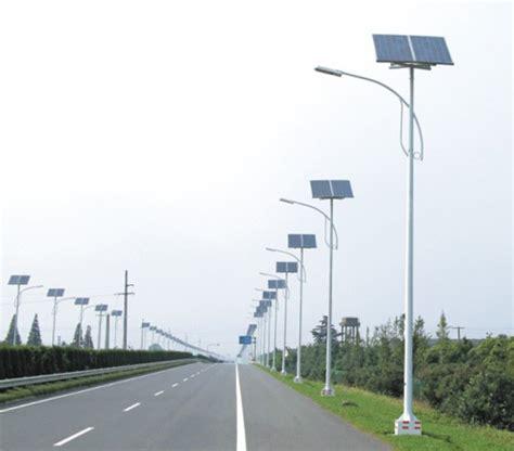 desain lu jalan tenaga surya tiang lu pju tenaga surya murah