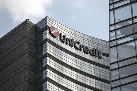 unicredit bank in italy italy constitutional referendum no vote could banks