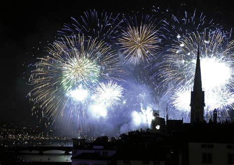zuerich neujahr zurich  years eve fireworks