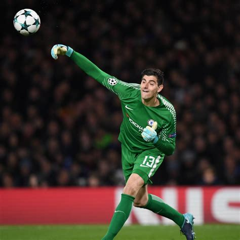 chelsea goalkeeper chelsea goalkeeper thibaut courtois reportedly wants to
