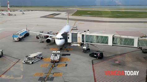 volo venezia porto ryanair nuova rotta da venezia per londra southend