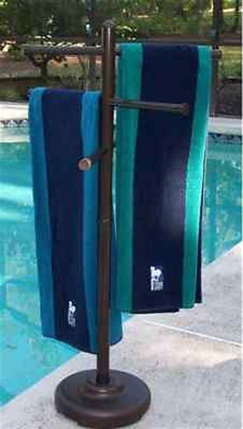 Swimming Pool Towel Rack by Best 25 Towel Rack Pool Ideas On Pvc Towel
