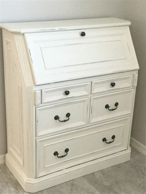 How To Refinish A Dresser With Paint by How To Refinish Furniture With Chalk Paint A S Take