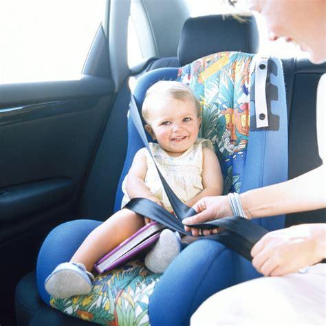 sieges auto enfant s 233 curit 233 enfant les si 232 ges auto pas toujours adapt 233 s aux