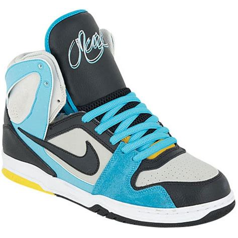 high top tennis shoes 1000 images about hi tops on high tops nike