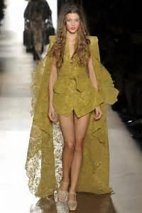 Latest Vivienne Westwood Collection Paris Fashion Week S/S 2015