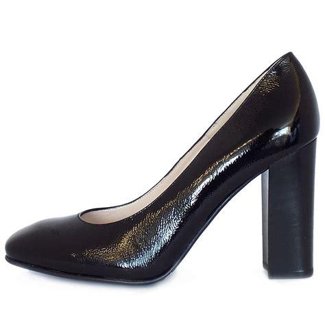 black block high heel shoes kaiser high block heel court shoes in black
