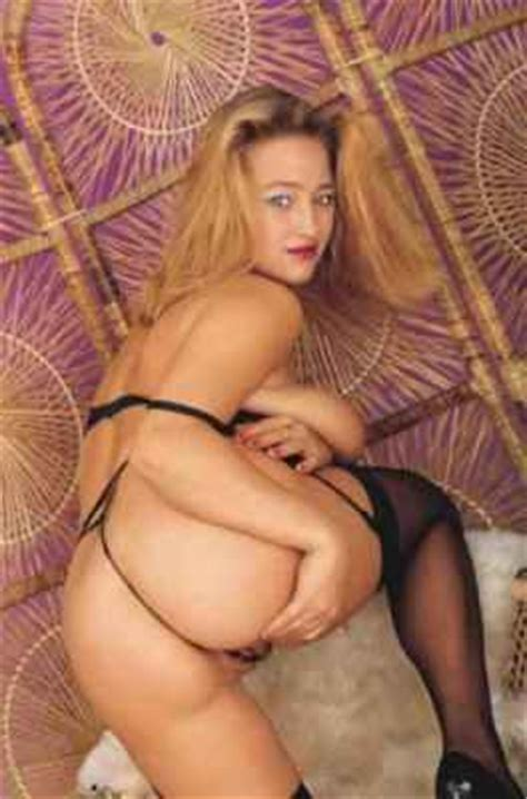 Busty Brit Babe Tracy Gibb Posing Naked Pornstarsexmagazines Com
