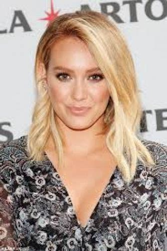 casual hairstyles for women over 20 20 hilary duff hairstyles blonde hair color highlights