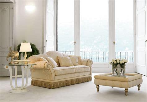 divani eleganti classici divano classico di lusso per eleganti salotti idfdesign